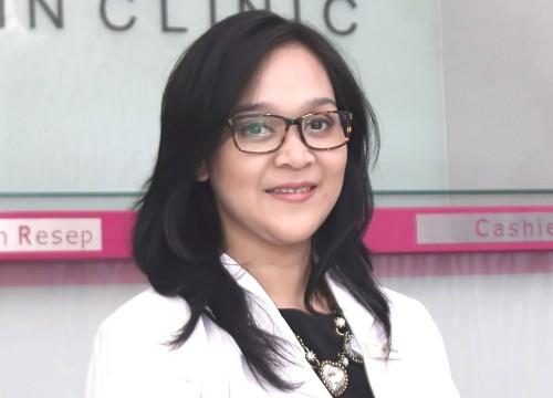 dr. <strong>Rasti Purwina</strong>