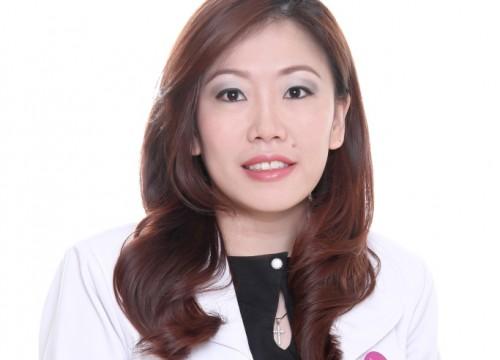 dr. <strong>Astriyani Auwandi</strong>