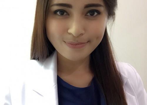 dr. <strong> Cinta Lapian</strong>