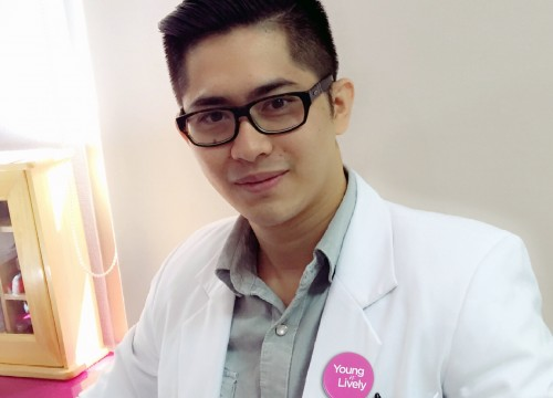 dr. <strong> Fredy Wijaya </strong>