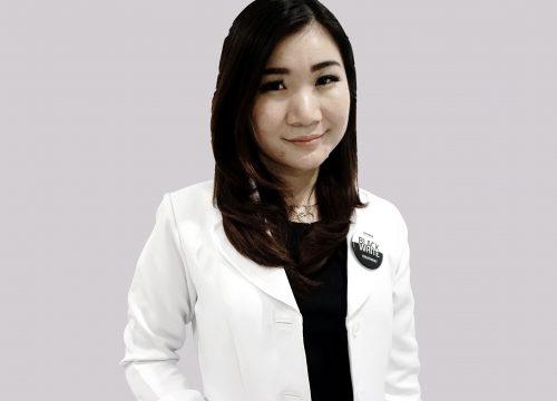 dr. <strong> Vivien Rosalina </strong>