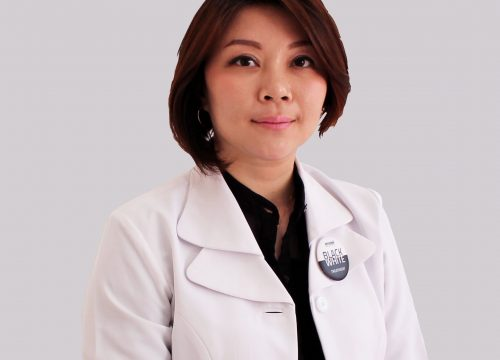 dr. <strong>Maria</strong>